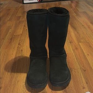 Black UGG boots size 7